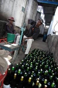 Verkorkung der Weinflaschen